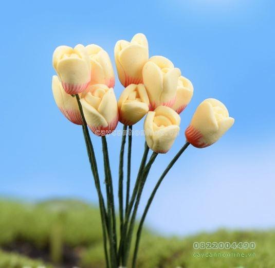 Hoa giả màu vàng